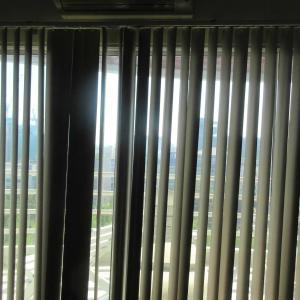調査:寝室カーテン取替