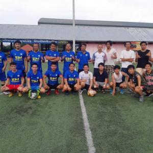 ルアンパバーンでサッカーをしよう!!
