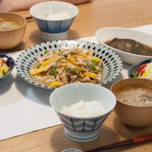 [低脂質レシピ]お家にある調味料で作れる♪鶏胸肉の青椒肉絲。