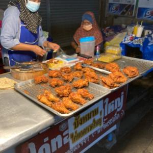 ガイトー(鳥の唐揚げ)とカオモックガイトーが美味しいお店