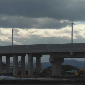 北陸新幹線の電柱