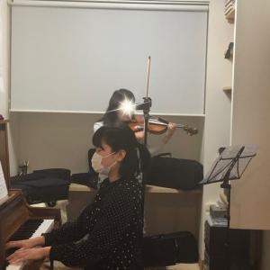 譜めくりのいらないピアニストって素晴らしい!