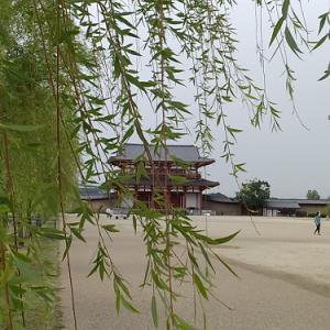 古都奈良の静かな夕暮れ時を歩く