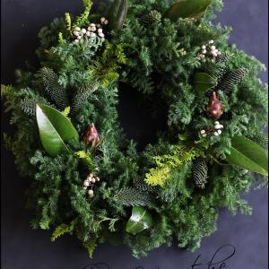 """アイロニーのクリスマスリース""""森の香りのナチュラルリース""""お作り頂きました。"""