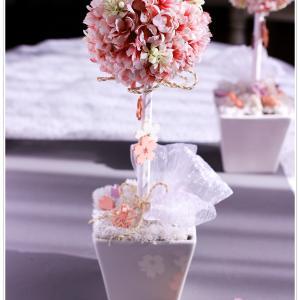 """春を待ち """"桜のトピアリー"""" を作りいただきました。"""