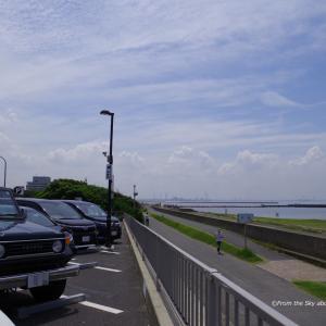 東京湾と夏雲