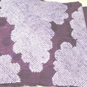 はんなりした紫の絞りの帯♪