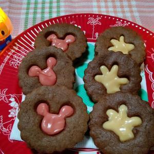 ミッキー型のチョコサンドクッキーを作ったよ~☆