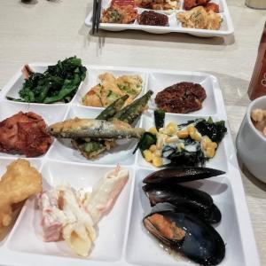 今日の朝昼晩、神戸クック・ワールドビッフェで満腹バイキング