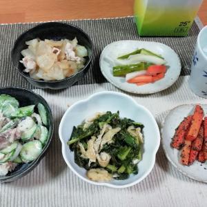 大根、人参、キュウリ、野菜が主役のアテ