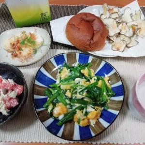 ニラ玉、サーモンの酒粕和え、菊芋チップス、山芋焼き