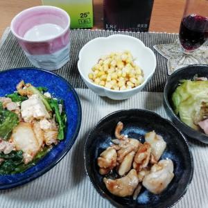 レタスと豆腐の豚キムチ炒め、電気圧力鍋でキャベツとベーコンの煮物、鶏もも肉オイスターソース他