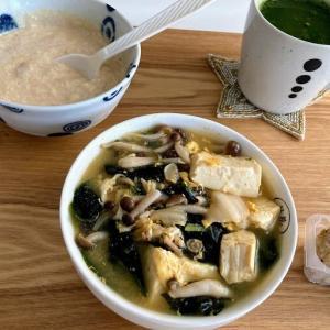 休肝日の朝昼晩、具沢山味噌汁・オートミール粥など