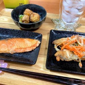 焼き鮭と激安お惣菜