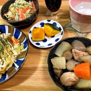 鶏ごぼう煮、切り干し大根のサラダ、キャベツと人参と枝豆の卵とじ