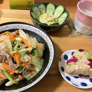 白菜と豚肉の中華炒め、オートミールしば漬けおにぎり、業スーポテサラ
