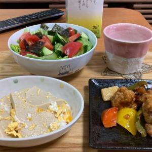 酢豚、高野豆腐の卵とじ、レタスとキュウリとトマトのチョギレサラダ