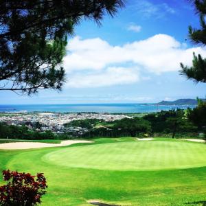 冬は沖縄でゴルフ旅行しよう! (4)人気のゴルフ場と観光の定番が集まる「沖縄南部ゴルフ合宿」の楽しみ方