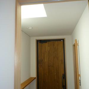 木製玄関ドアのメンテナンスについて