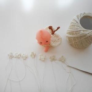 白いレース糸でアナベルを(*^-^*)