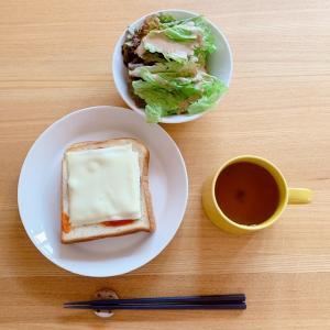 【残念な金の食パン】の事とひとり食!ピザ風トースト。。