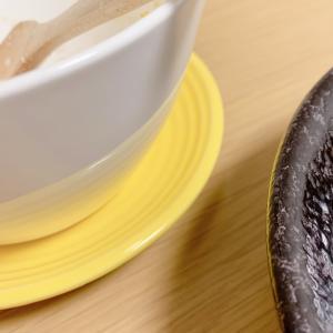 セリア!北欧食器のアレを思わせる黄色いお皿、可愛いです。。