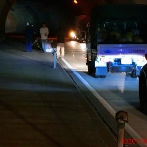 縦貫トンネル内の単車の事故