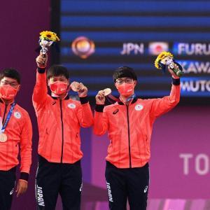 アーチェリー男子団体銅メダル