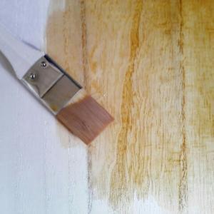チョチョイと♪とても簡単にミニテーブルを手作りしてるよ♪手探りだからどうなるかわかんないけどねっ話♪