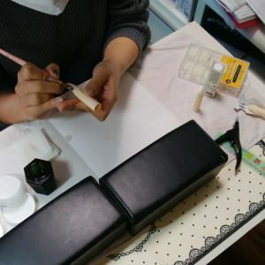 【名古屋市名東区ネイルスクール】4月のネイリスト検定1級試験にむけて☆チップオーバーレイ!