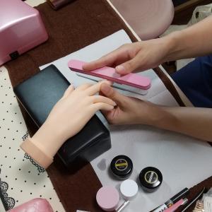 【名古屋市名東区ネイルスクール】初めての生徒さん☆1DAYにてレッスンにてジェルの塗り方レッスン