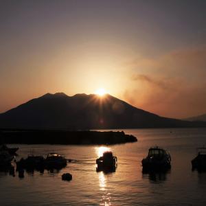 桜島の夜明け