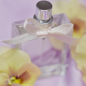 香水のサブスク「COLORIA (カラリア)」約500種類以上!毎月1,980円(税込)~
