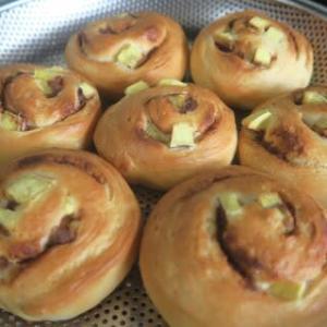 サツマイモのシナモンロールパン