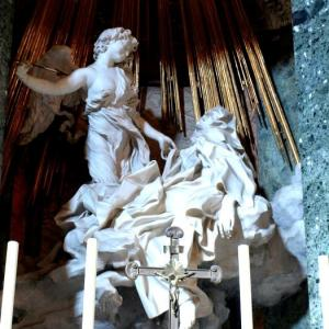 ベルニーニとローマ⑧ ベルニーニの彫刻は、甘美で妖しい恍惚の世界まで劇場空間として創り上げた
