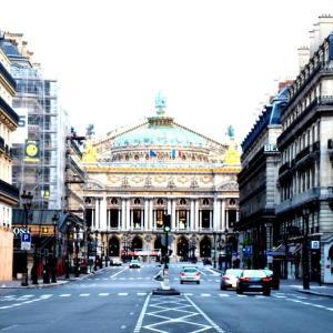 階段紀行・フランス パリ編② パリ・オペラ座の大階段。恍惚の高みに臨むような高揚感とともに。