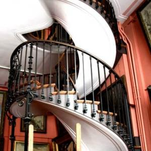 階段紀行・フランス パリ編③ 神秘主義の画家ギュスターヴ・モローの館に残された、神秘の螺旋階段