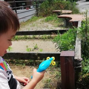 経験408:子供でも簡単に無数のシャボン玉を出せる!電動式シャボン玉のオモチャが凄い!!