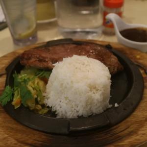 香港の出街飯〜サーロインステーキ