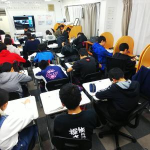 小学生で英検準2級とか中学生で英検2級に合格する「モンスター塾生」(良い意味で)から、村上が考え
