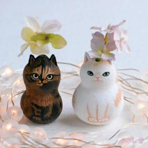 ひょうたんねこのサビ猫さんと白茶猫さん