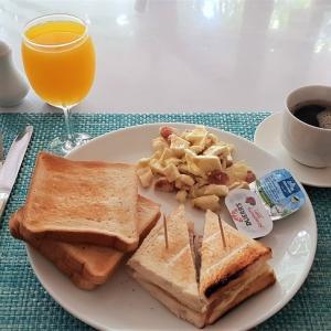 朝食@フルマーレのゲストハウス