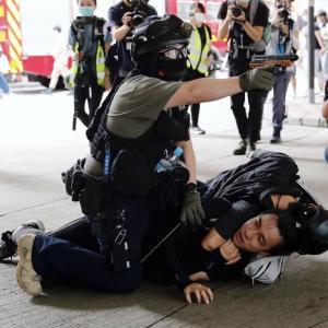 香港、神とサタンの戦いの最前線