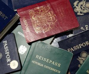 世界パスポートランキング、日本は3年連続首位 台湾31位で中国の78位より上