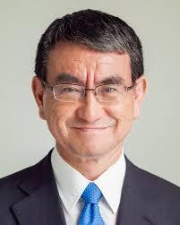 次の首相、河野氏が連続トップ、安倍氏は4位浮上