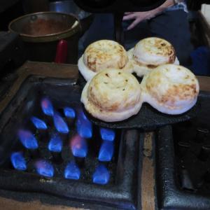 長崎名物 老舗菊水の大徳寺焼餅(大徳寺の梅ヶ枝餅)が昔ながらの味でめちゃウマ!