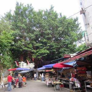 松山空港から台北市内へ、台北車駅前(台北駅前)のイスラム街や路地を歩く