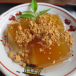 奈良・西ノ京観光 くず餅と力うどんがメチャうま!&奈良のご当地ピンズ