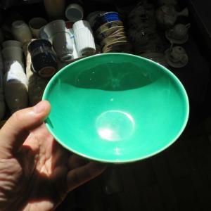 波佐見町 中尾山交流館で美しい緑色の波佐見焼の器を衝動買い