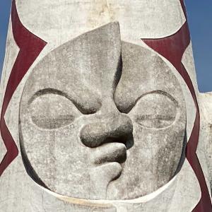 高さ約70m!岡本太郎「太陽の塔」に太陽の広場でご対面~ん 太陽の顔!黄金の顔!黒い太陽!